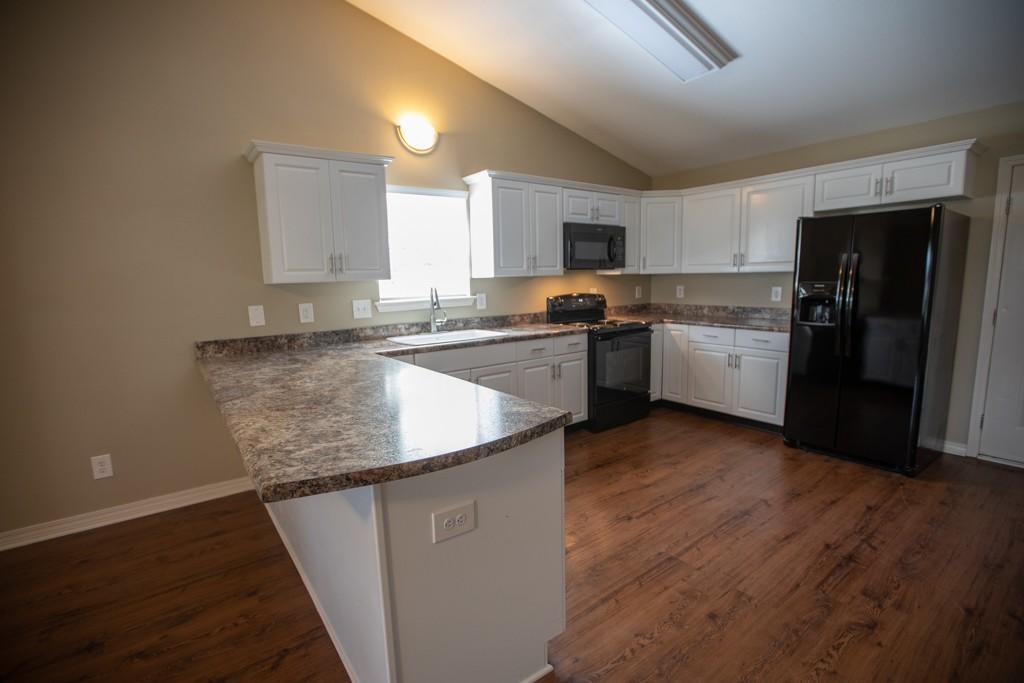 South Pointe Apartment Homes - Rental Home Kitchen